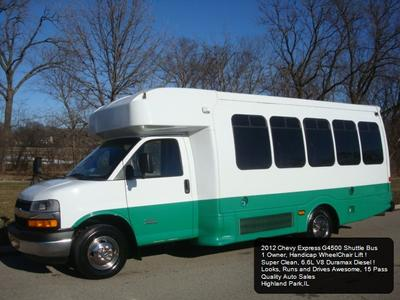 Chevrolet Express 3500 2012 for Sale in Highland Park, IL