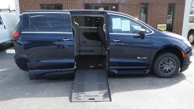 2018 Chrysler Pacifica Touring Plus for sale VIN: 2C4RC1FG6JR111393