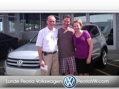 Lunde's Peoria Volkswagen Image 4