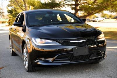 Chrysler 200 2017 for Sale in Terre Haute, IN