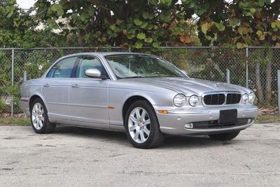 Jaguar XJ8 2004 for Sale in Hollywood, FL