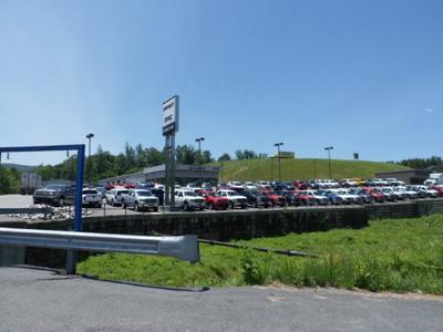Spruce Pine Chevrolet GMC Image 2