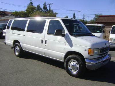 Ford E350 Super Duty 2001 for Sale in Corona, CA