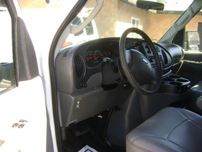 Ford E350 Super Duty 2006 for Sale in Corona, CA