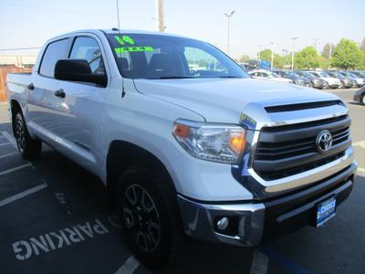 Toyota Tundra 2014 for Sale in Sacramento, CA