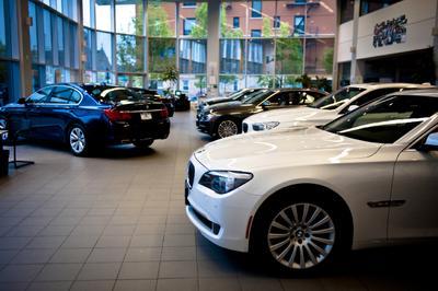 BMW of Brooklyn Image 4