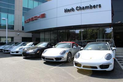 Herb Chambers Porsche of Boston Image 4