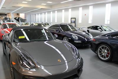 Herb Chambers Porsche of Boston Image 6