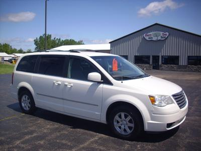Chrysler Town & Country 2009 for Sale in Oshkosh, WI