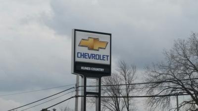 Kunes Chevrolet & Chrysler Dodge Jeep Ram of Morrison Image 5