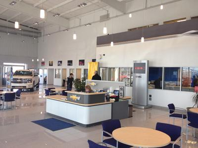 Roberts Auto Center Image 1