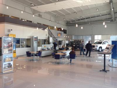 Roberts Auto Center Image 4