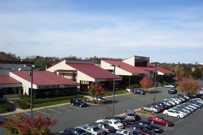 Colonial Auto Center Image 1