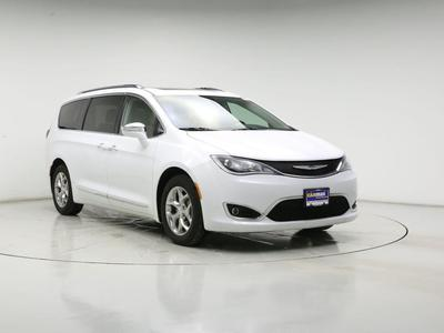 Chrysler Pacifica 2018 for Sale in Waukesha, WI