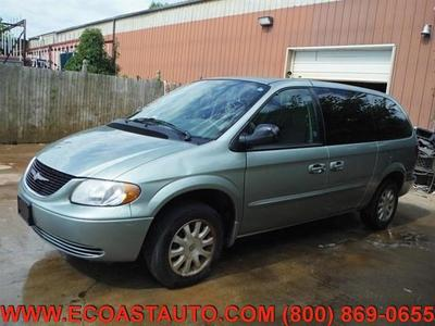 Chrysler Town & Country 2003 for Sale in Bedford, VA