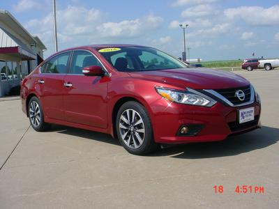 Nissan Altima 2016 for Sale in Lone Tree, IA