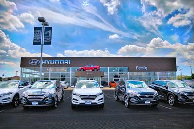 Family Hyundai Image 3