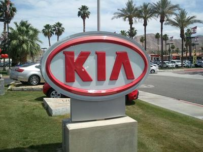 Palm Springs Kia Image 4