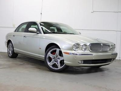 Jaguar XJ8 2006 for Sale in Schaumburg, IL