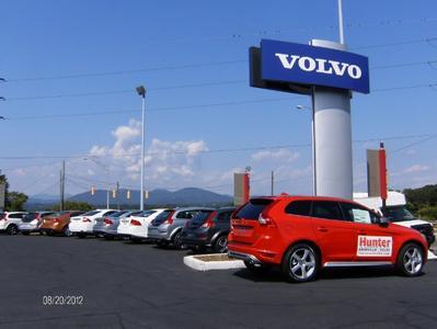 Hunter Volvo Cars Image 2