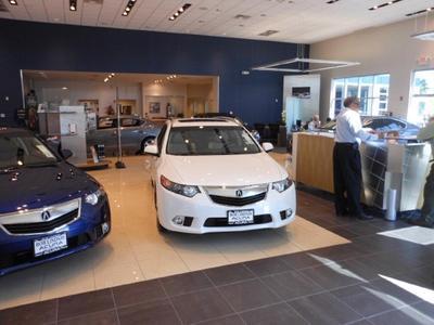 Bob Lindsay Acura Image 4