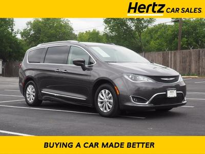 Chrysler Pacifica 2019 for Sale in Austin, TX