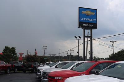 Modern Chevrolet Cadillac of Burlington Image 1
