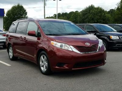 Toyota Sienna 2015 for Sale in Wilmington, NC
