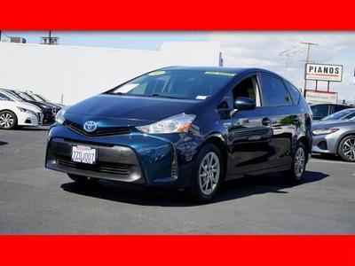 Toyota Prius v 2017 a la venta en Van Nuys, CA