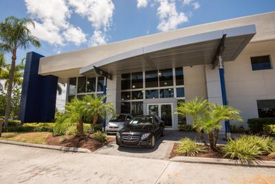 Mercedes-Benz of Coconut Creek Image 2