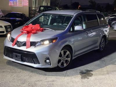 Toyota Sienna 2018 for Sale in Oxnard, CA