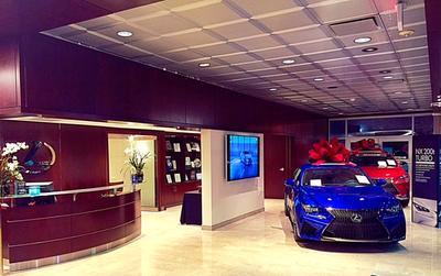 Lexus of Westport Image 6
