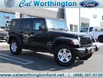 Jeep Wrangler JK Unlimited 2018 for Sale in Long Beach, CA