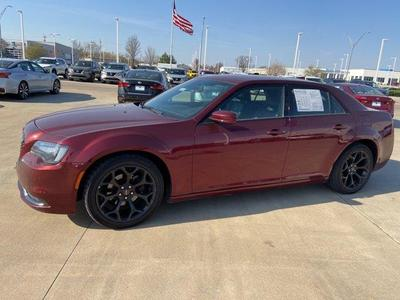 Chrysler 300 2019 for Sale in Lawrence, KS