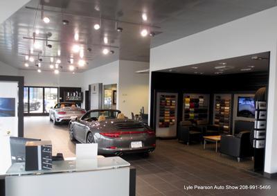 Lyle Pearson Land Rover Jaguar Volvo Cars Acura & Porsche Image 2