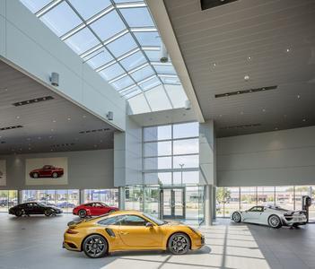 Porsche Littleton, a Stevinson dealership Image 4