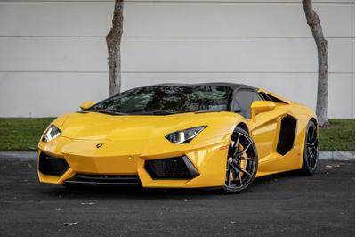 Lamborghini Aventador 2015 for Sale in Van Nuys, CA