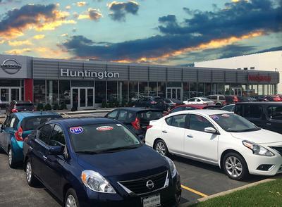Nissan of Huntington Image 1