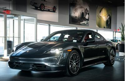 Porsche South Shore Image 4