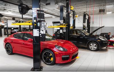 Porsche South Shore Image 6