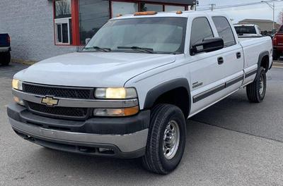 Chevrolet Silverado 2500 2001 for Sale in Columbus, OH