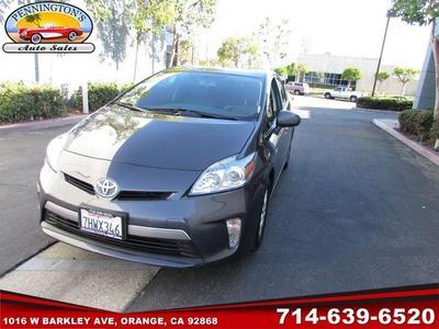 Toyota Prius Plug-in 2015 for Sale in Orange, CA