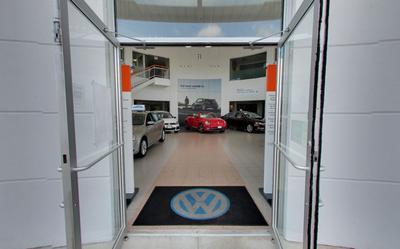 Volkswagen of Huntington Image 3