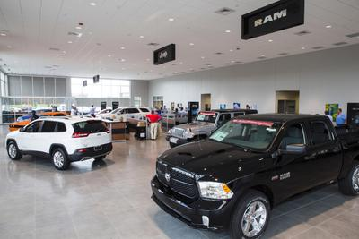 Hendrick Chrysler Dodge Jeep Ram FIAT of Concord Image 2