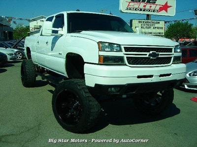 Chevrolet Silverado 2500 2005 for Sale in El Paso, TX