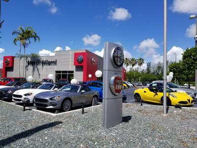 Alfa Romeo & FIAT of North Miami Image 2