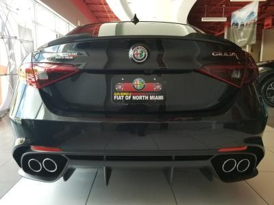Alfa Romeo & FIAT of North Miami Image 3