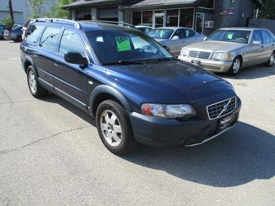 Volvo V70 2001 for Sale in Marion, IA