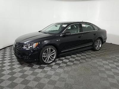 Volkswagen Passat 2017 for Sale in Sterling, IL