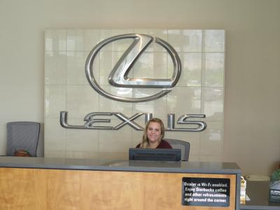 Larry H. Miller Lexus of Lindon Image 3
